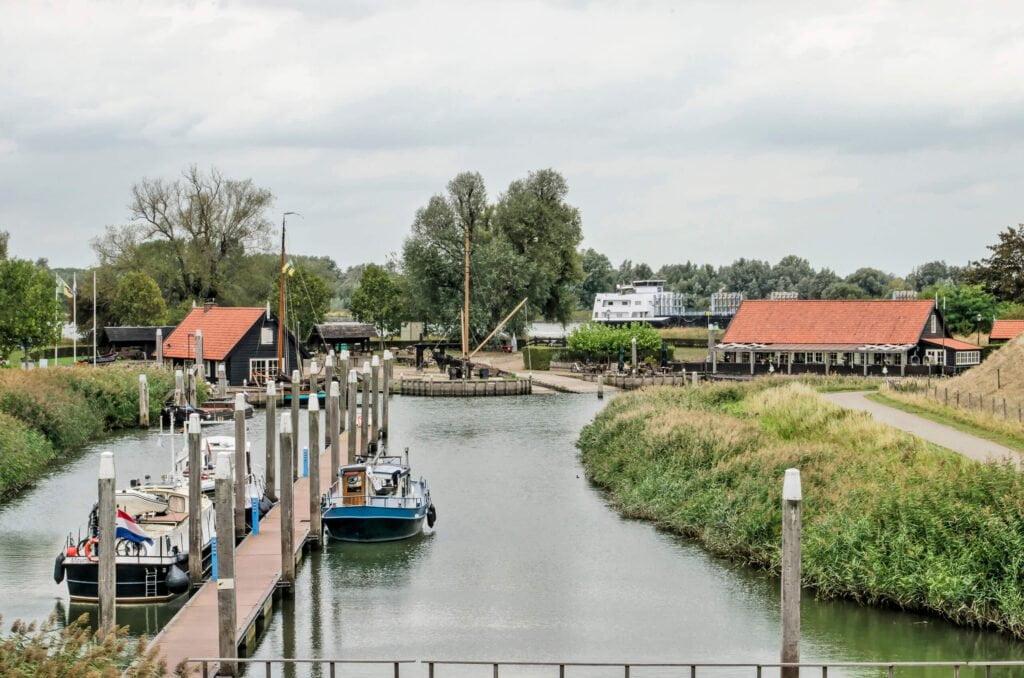 Woudrichem // Dutch Yacht Rentals